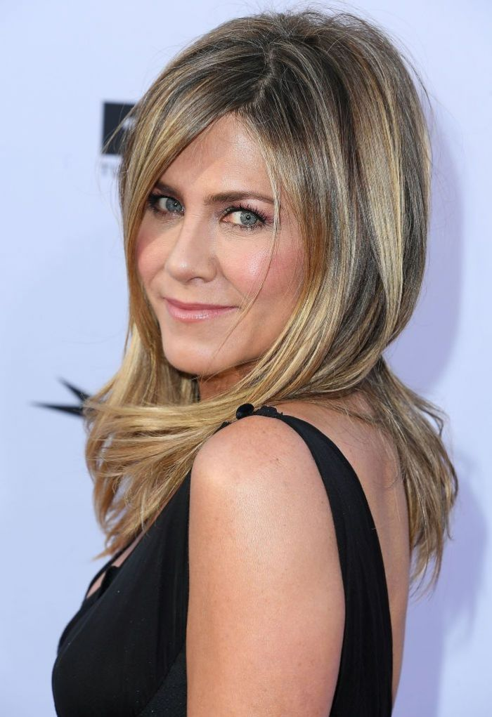 Jennifer Aniston arrives at the American Film Institute's 46th Life Achievement Award Gala Tribute To George Clooney on June 7, 2018 in Hollywood, California