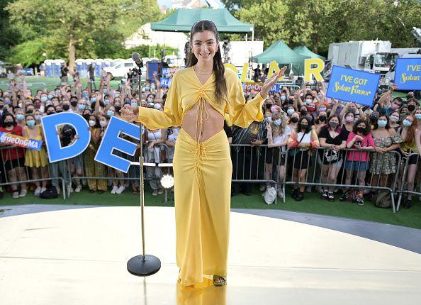 Lorde Yellow Dress Solar Show