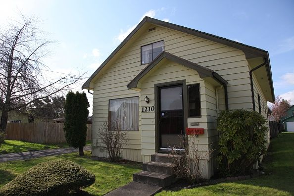 Cobain House Angle